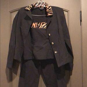 Other - Women's 3pc suit